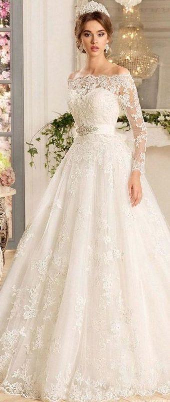 لباس عروس با تاج مخصوص